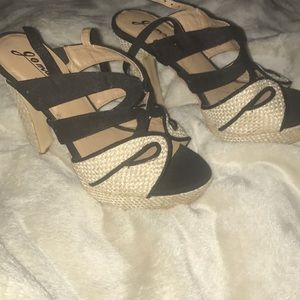Shoes - New Black and Tan heels